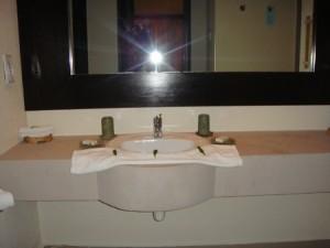 カニフィノールの洗面台